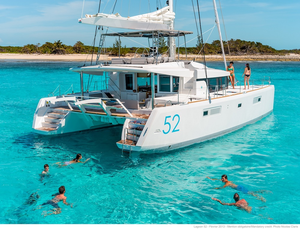 Catamaran Luxury Yacht Charter