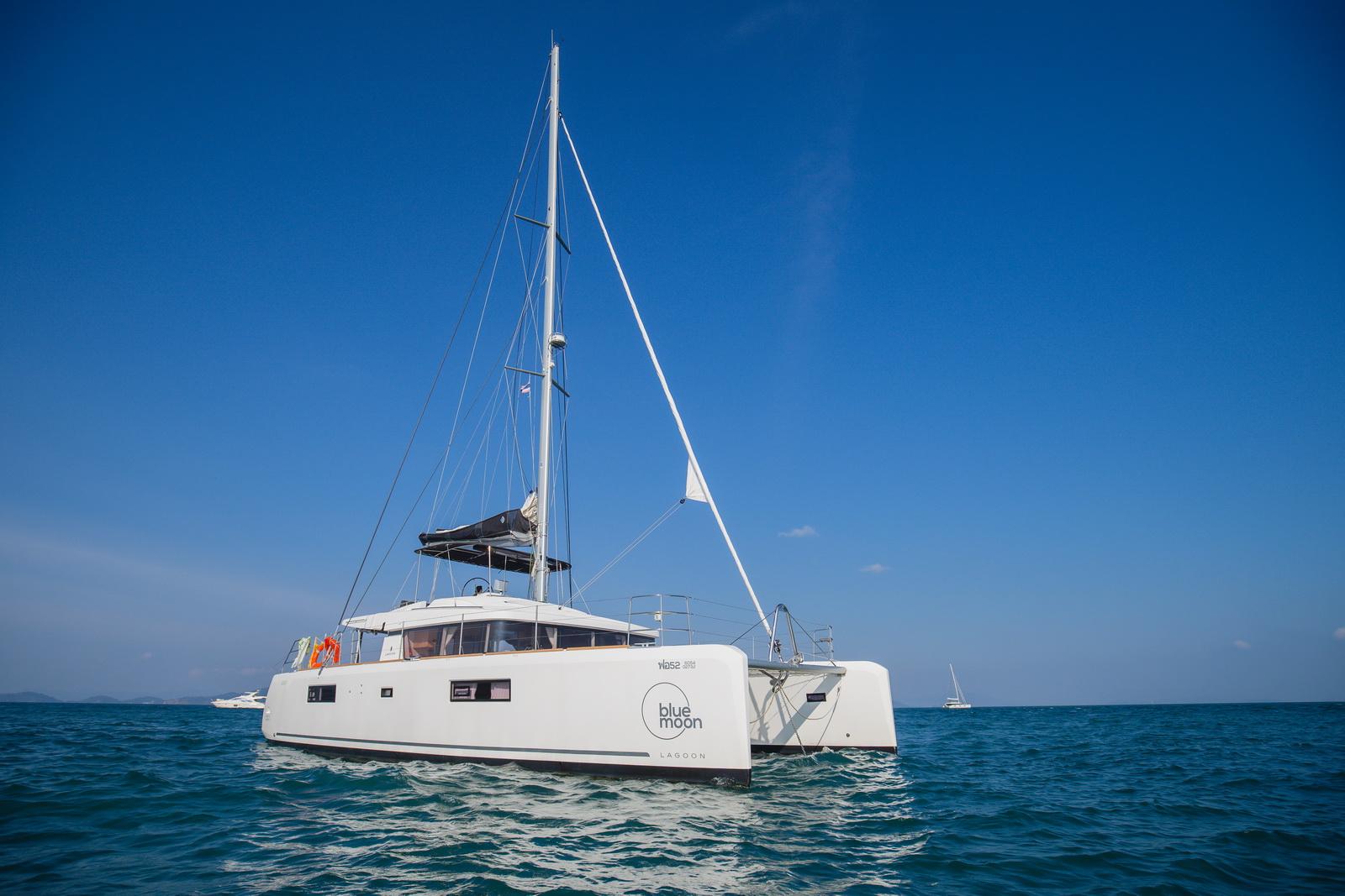Lagoon 52 - Superyacht, Crewed & Bareboat Yacht Charter