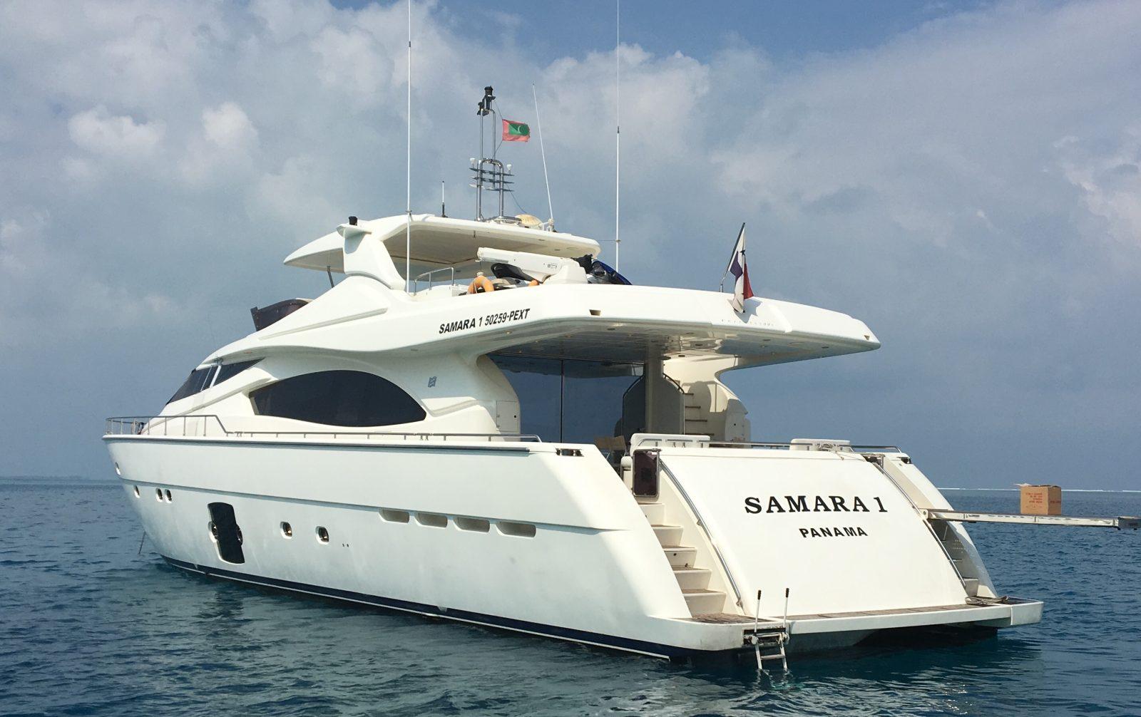 Simpson Marine - Ferretti 881